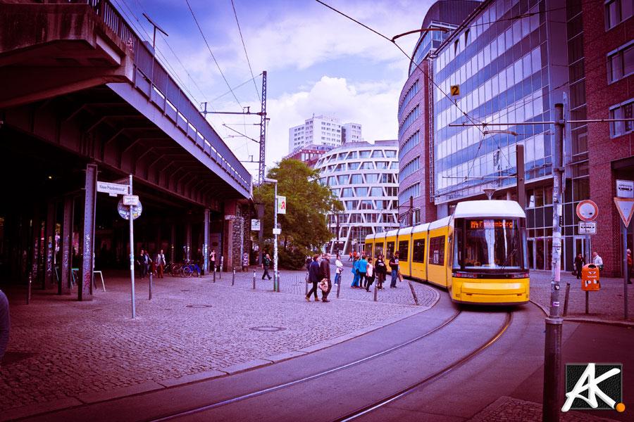 Berlin_City-yellow-train